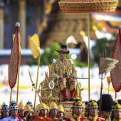 Thailand feiert gekrönten König Rama X. mit großer Prozession