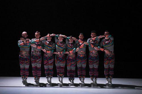 Mit drei höchst unterschiedlichen Choreografien versetzte das Ensemble das Bregenzer Publikum in Hochstimmung. U. Mittelberger