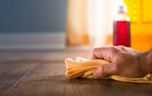 Mit überschüssigem Öl angereicherte Lappen müssen extra verwahrt werden.Foto: Shutterstock
