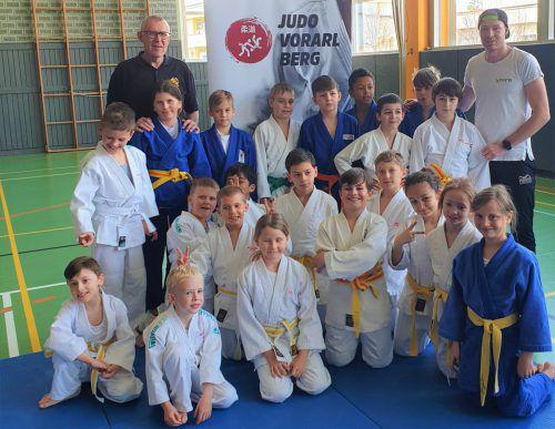 Nach der ersten Runde des Vorarlberger Judoschülercups setzte sich der Judoclub Dornbirn an die Spitze der Gesamtwertung. UJC