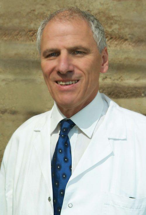 Referent Prim. Dr. Wolfgang Elsässer gehört zu den führenden HNO-Spezialisten der Region. elsässer