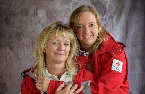 Sabine (l.) und Elisabeth Lampert teilen sich das Hobby. rotes kreuz