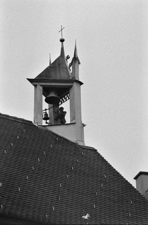Seit 1510 schlägt Ritterfigur Bläsli die Glocke am Dachgiebel.