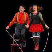 Auf der Strickleiter in den Zirkustheaterhimmel