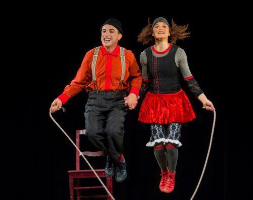 Simone Fassari und Camilla Pessi aus dem Tessin bieten poesiereiche Clownereien für Anspruchsvolle.VN/Paulitsch