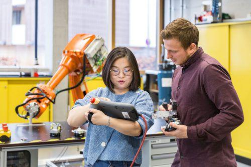 """Studierende """"Elektrotechnik Dual"""" bewerteten die FHV mit der Note 1,4. FA/Duelli"""