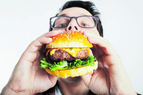 Ungesunde Ernährung ist eines der Hauptübel, das Darmkrebs verursachen kann. Eine Abkehr vom Nikotin trägt zur Vermeidung bei.AFP