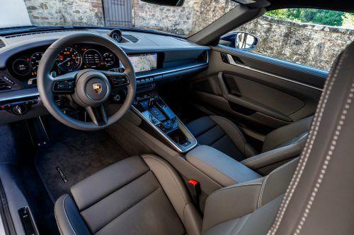 VN-Testfahrten mit 911 Cabrio und Coupé: bei Form und Performance wird die Lücke immer kleiner.Werk