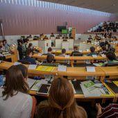 Schüler übten sich in der Rolle von Parlamentariern
