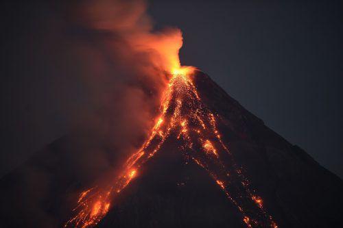 Als vor 74.000 Jahren der Toba-Vulkan ausbrach, wurden 2800 Kubikkilometer Gestein bis zu 80 km hoch in die Atmosphäre geschleudert. AFP
