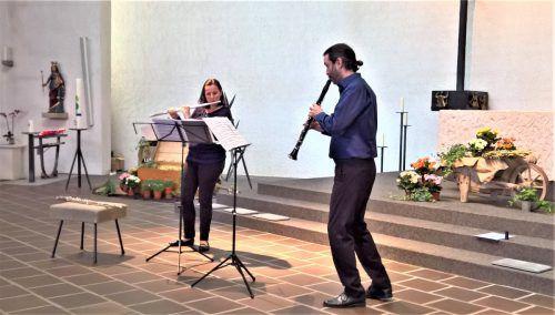 Anja Nowotny-Baldauf und Markus Beer in der Kirche in Rebstein. beyeler