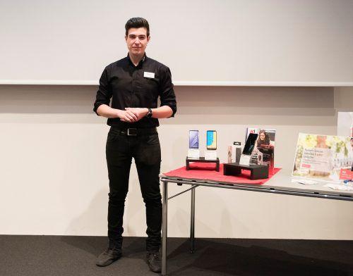 Beim Verkaufstechnik-Wettbewerb musste Emre Yörüko einem schwierigen Kunden ein Handy verkaufen. Nussbaumer
