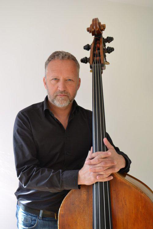 Bernd Konzett mit seinem Instrument. BI