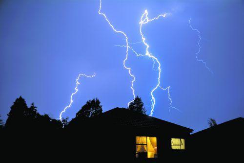 Blitzschutzanlagen sollten regelmäßig überprüft werden.foto: shutterstock