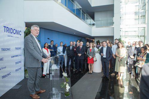 CEO Alfred Felder bei der Eröffnung. Porto punktet mit einer hohen Verfügbarkeit von qualifizierten Arbeitskräften im Bereich Softwareentwicklung.Zumtobel