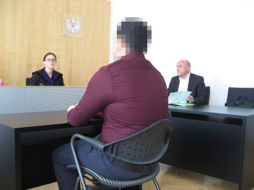 Der 20-jährige Beschuldigte widerrief vor Gericht die Angaben, die er vor der Polizei gemacht hatte. ECKERT