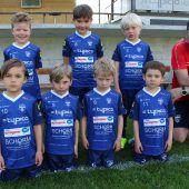 Lochauer Fußballnachwuchs in neuem Outfit