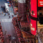 Drahtseilakt über dem Times Square