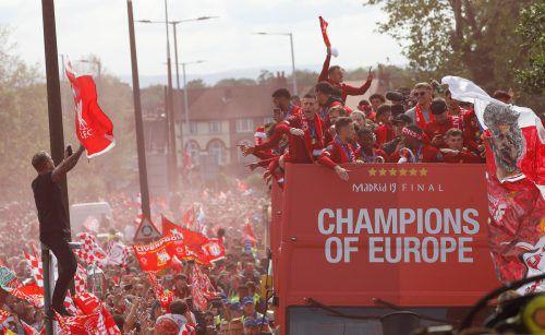Der Triumphzug der Reds durch die Stadt wurde zu einer riesigen Feier.Reuters