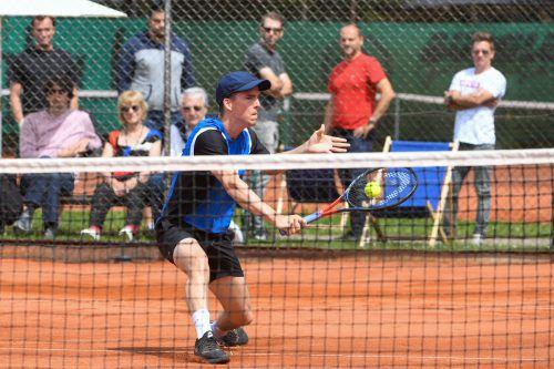 Der Wolfurter Martin Fischer gewann mit Vizemeister Kirchdorf in Dornbirn klar und ist als Gruppensieger ins Halbfinale eingezogen. VN/Lerch