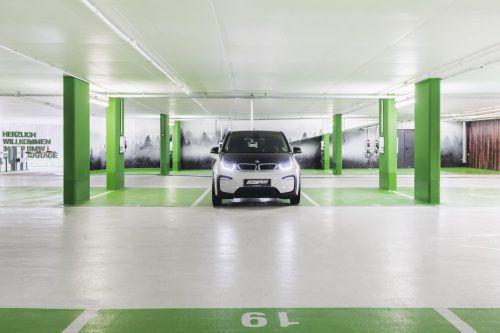 Die Green Garage in Lech ist die EU-weit erste vollelektrifizierte Garage. LZT/Schöch