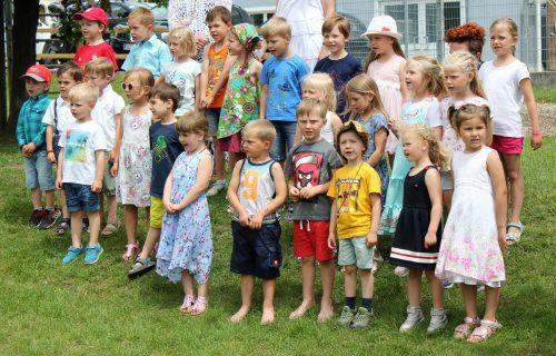 Die Kindergartenkinder hatten eigens zum Jubiläumsfest ein Lied einstudiert. VN/JS