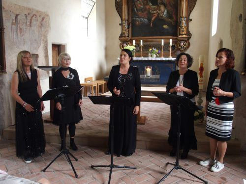 """Die """"Laguzzen"""": Ulli van Delft, Ilga Sausgruber, die Leiterin Petra Tschabrun, Gründerin Hildegard Frei-Bertsch und Elke Bitschnau.JU"""