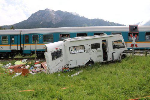 Die Lenkerin wurde leicht verletzt, das Wohnmobil hat nur noch Schrottwert. AP/liss