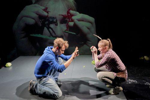 """Die Premiere von """"Die Zertrennlichen"""" von Fabrice Melquiot mit Vivienne Causemann und Nico Raschner fand am Mittwoch am Vorarlberger Landestheater statt. lt/köhler"""