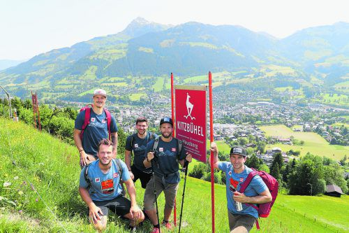 Die Streif erobert: Christian Hirschbühl (vorne l.), Manuel Feller, Michael Matt, Marco Schwarz und Marc Digruber.gepa