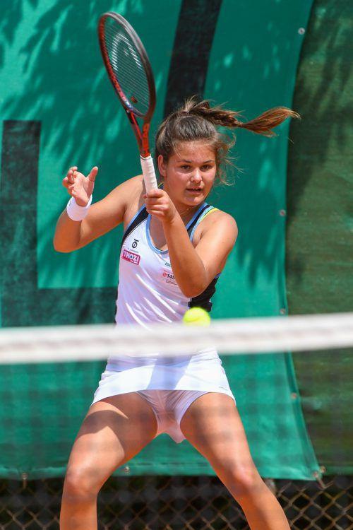 Die 18-jährige Emily Meyer strebt in Götzis das Titel-Triple an.VN/Lerch