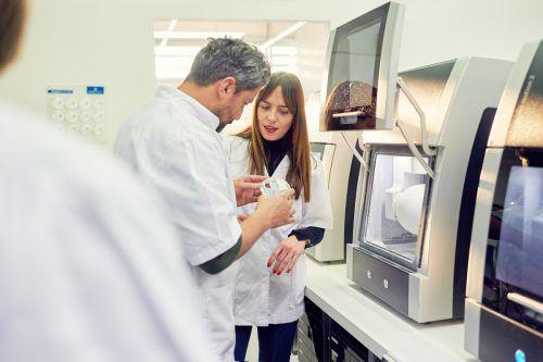 Amann Girrbach ist europäischer Marktführer im Bereich Dentaltechnik mit Partnern in mehr als 90 Ländern. Bei der Digitalisierung setzt die Firma auf TOWA. FA