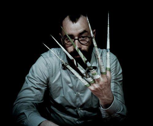 Etienne Manceau ist mit seiner Solo-performance in Lustenau zu Gast. alexis dor