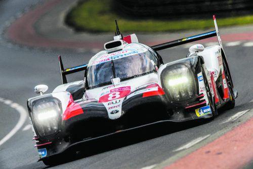 Fernando Alonso reicht bei den 24 Stunden von Le Mans Platz sieben zum Gewinn in der Langstrecken-Weltmeisterschaft.ap