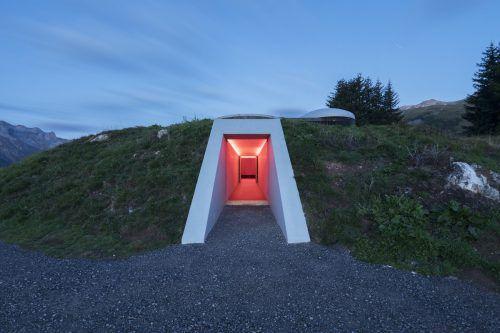 James Turrell realisierte den weltweit beachteten Skyspace in Lech mit einer Sonderlichtlösung von Zumtobel. zumtobel