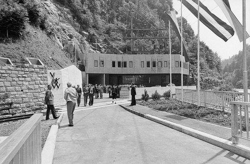 Für die Zuleitung des Wassers der Subersach zur Bolgenach wurde ein 3,8 Kilometer langer Stollen durch den Hittisberg getrieben.