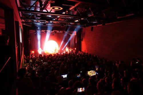 """Für einen vollen Veranstaltungssaal sorgten die Formation """"Cari Cari"""" sowie die Support-Band """"Slicky Nerves"""".Bludenz Kultur / Nikola Bartenbach"""