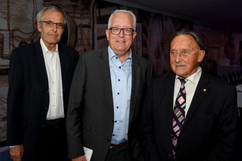 Heiner Bertle (l.) sowie Michael Simma un Alt-LH Martin Purtscher.