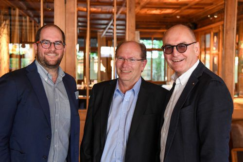 Johann Drexel (l.) sowie Gerhard E. Blum und Guntram Drexel.