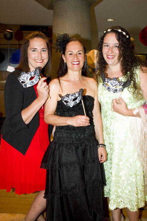 Julia Bickel (l.), Beate Fischer und Barbara Steinhofer.