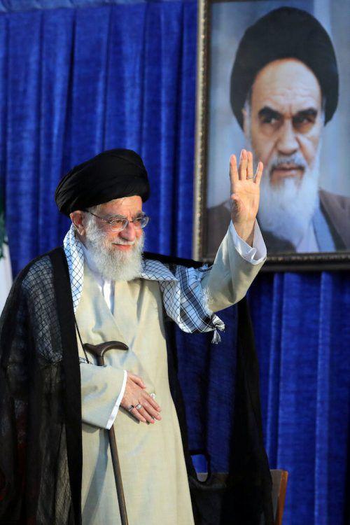 Khamenei erinnert an den 30-jährigen Todestag Khomeinis. reuters