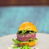 Beef-Tatar-Burger vom Grill