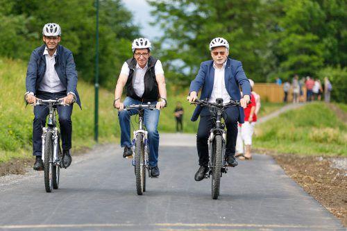 LH Markus Wallner (l.) überlässt Landesrat Johannes Rauch nicht mehr alleine Radwegeröffnungen im Land.