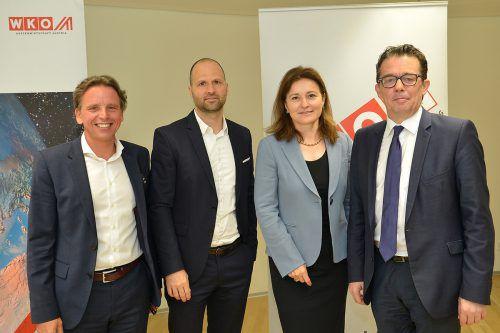 Manfred Schmid (Wirtschaftsdelegierter Zürich), WKV-Dir.-Stv- Marco Tittler, Gudrun Hager (WD Mailand) und WKV-Präsident Hans Peter Metzler. WKV/serra