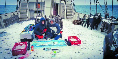 Martina Feichtinger (r.) verbrachte vergangenes Jahr im Auftrag der Kunst knapp vier Wochen in der Arktis.Feichtinger