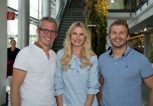 Matthias Moosbrugger (Rhomberg Bau), Tamara Bierer und Wolfgang Schneider (i+R Wohnbau).