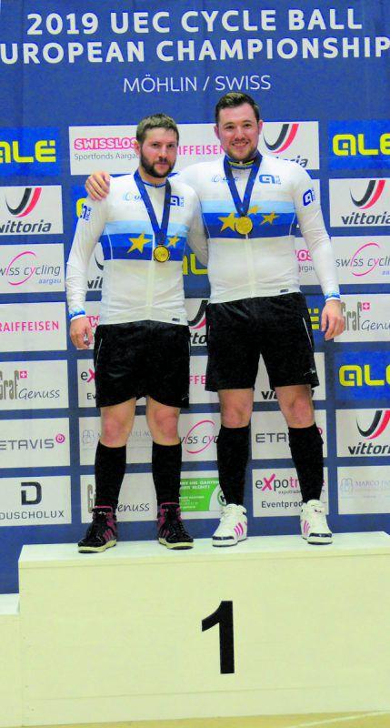 Nach der sechsten EM-Goldenen halten Patrick Schnetzer (r.) und Markus Bröll nun bei insgesamt 15 Titelgewinnen bei WM, EM und im Gesamtweltcup. Schnetzer