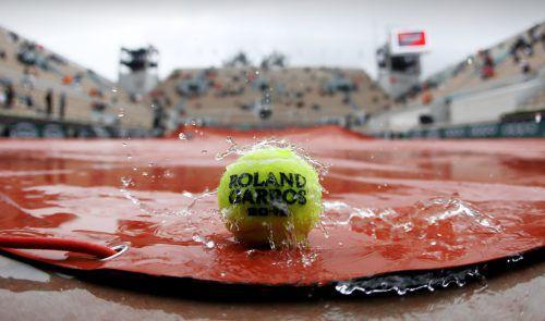 Nasses Wetter, keine Spiele: Bei den French Open mussten alle Partien auf heute verlegt werden.gepa