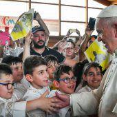 Papst mahnt Wiederaufbau ein