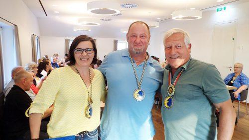 Peter Grundner (Mitte), neues Mitglied im 11er-Rat, mit Gabi Höfle-Kaufmann und Obmann Armin Kleiner.